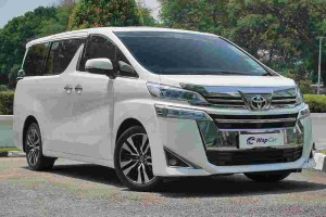 In Brief: Toyota Alphard – Luxury on wheels