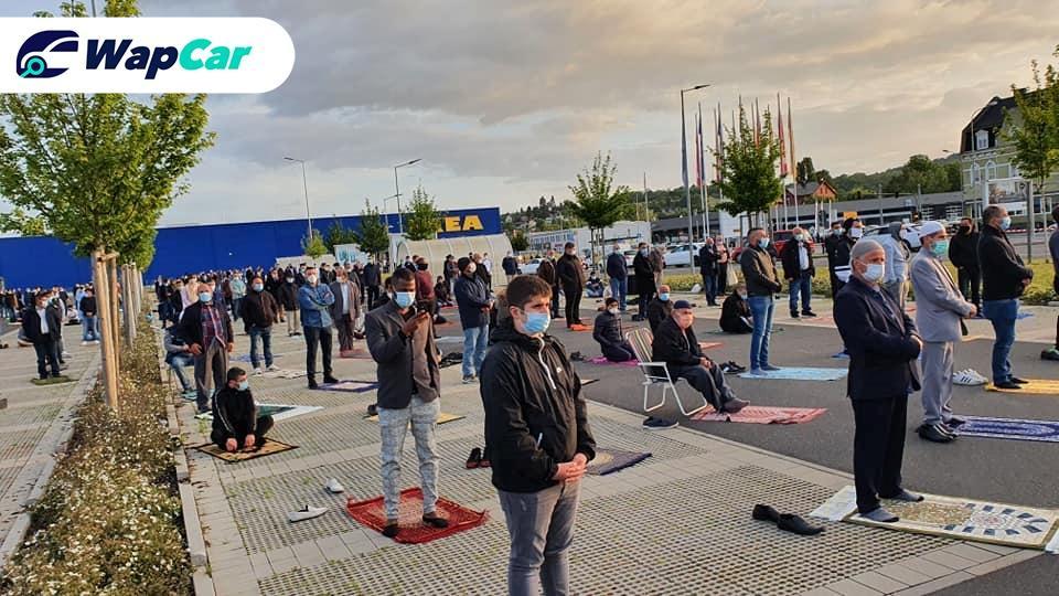 Syiar Islam di Jerman: Solat sunat Aidilfitri di IKEA Weltzer 01