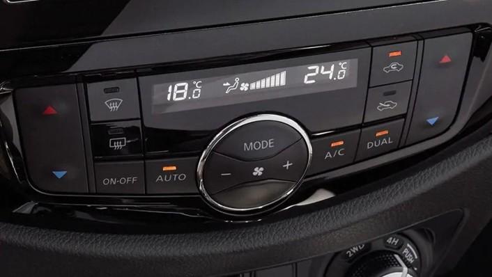 2020 Nissan Terra International Version Interior 005