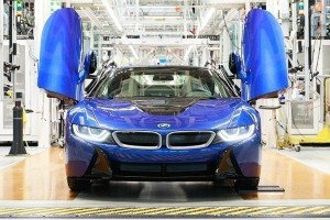 BMW sends off the last BMW i8 in an exclusive Portimao Blue