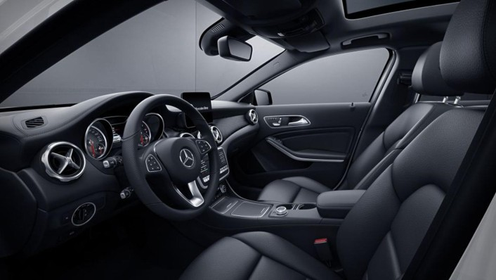 Mercedes-Benz AMG GLA (2019) Interior 003