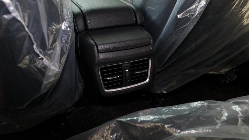 2018 Honda Civic 1.5TC Premium Interior 045