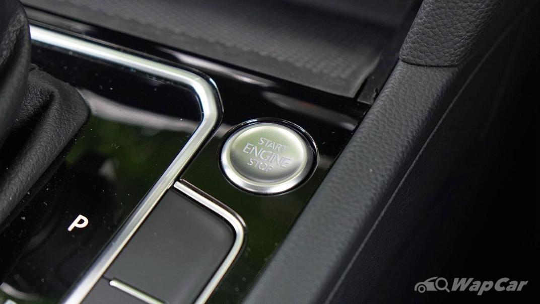 2020 Volkswagen Passat 2.0TSI Elegance Interior 034