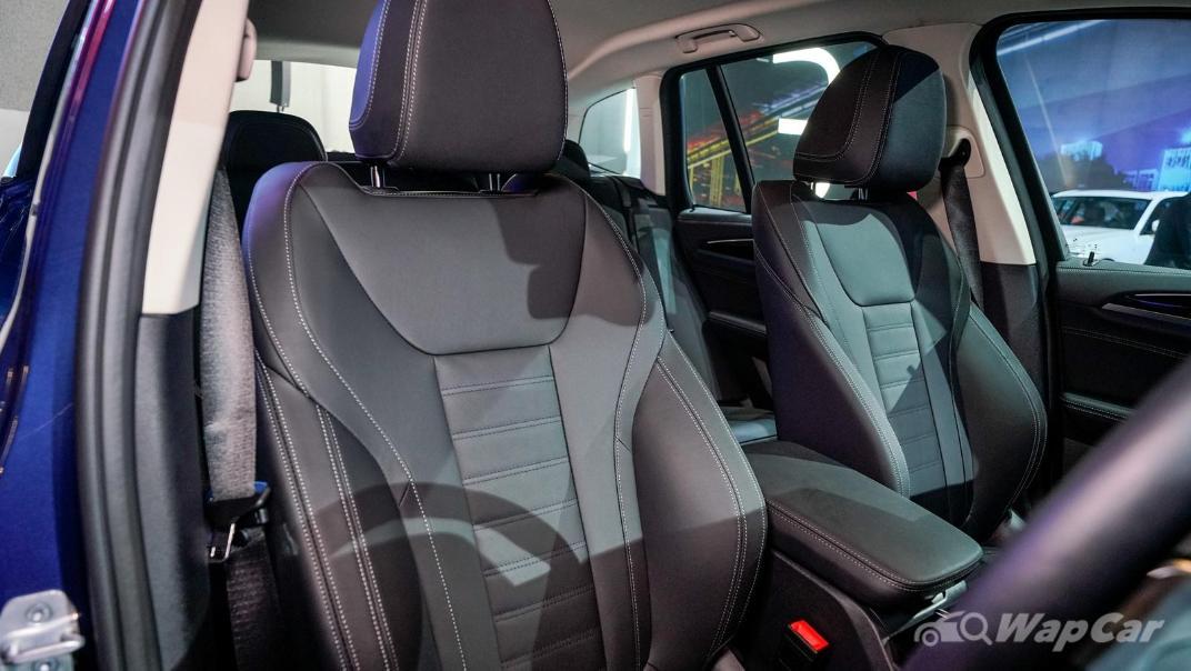 2021 BMW X3 sDrive20i Interior 006