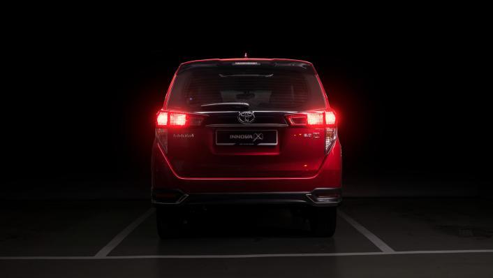 2021 Toyota Innova 2.0 X (AT) Exterior 003