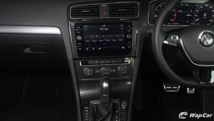 2018 Volkswagen Golf 1.4 TSI R-Line Interior 010