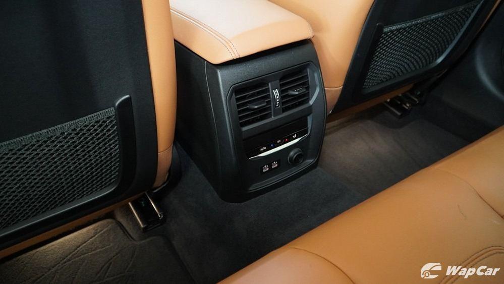 2019 BMW 3 Series 330i M Sport Interior 056