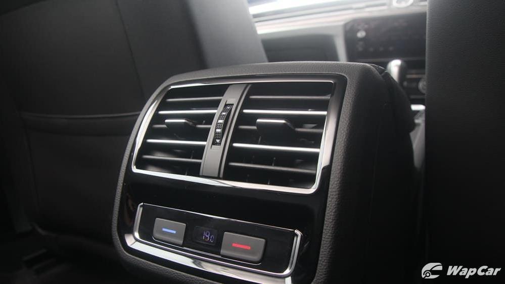 2018 Volkswagen Passat 2.0 TSI Highline Interior 048