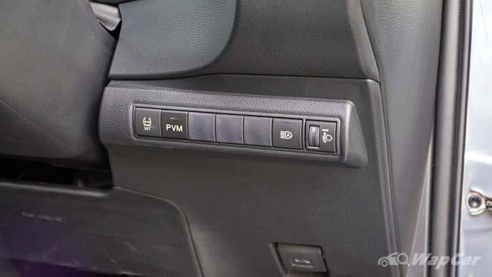 2020 Toyota Corolla Altis 1.8E Interior 005