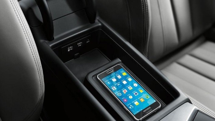 Audi A4 (2019) Interior 010