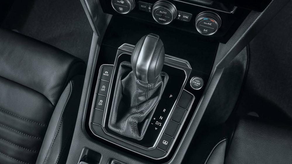 2020 Volkswagen Passat 2.0TSI Elegance Interior 125