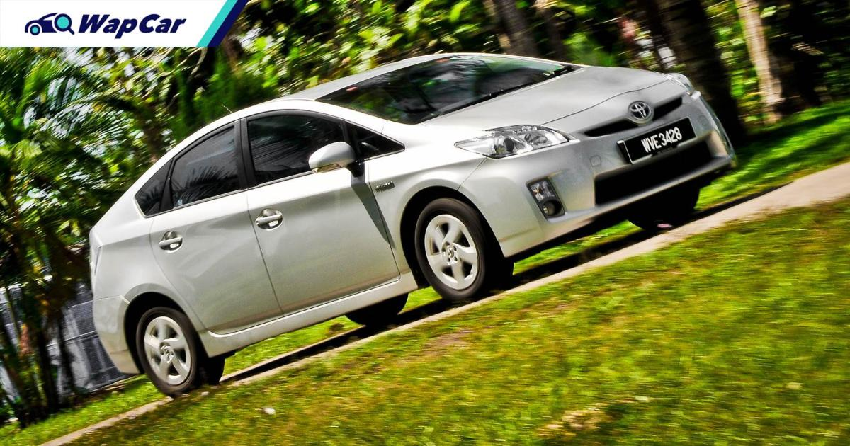 Used hybrids are really cheap, so should you buy a used Toyota Prius, Camry Hybrid or Honda Insight? 01
