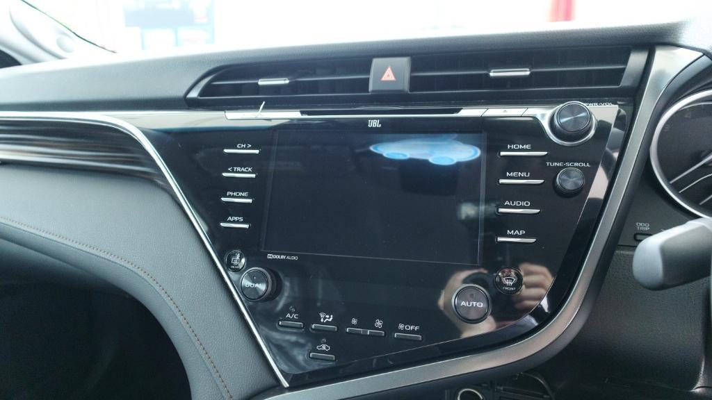 2019 Toyota Camry 2.5V Interior 013