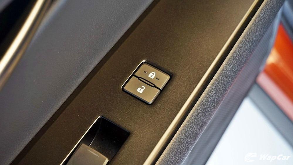 2020 Lexus UX 200 Urban Interior 057