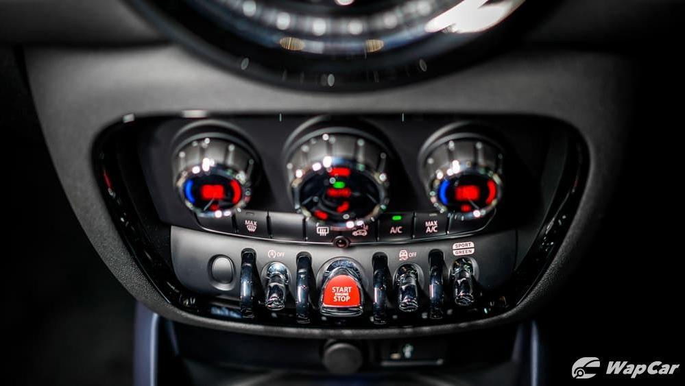 2019 MINI Clubman Interior 006