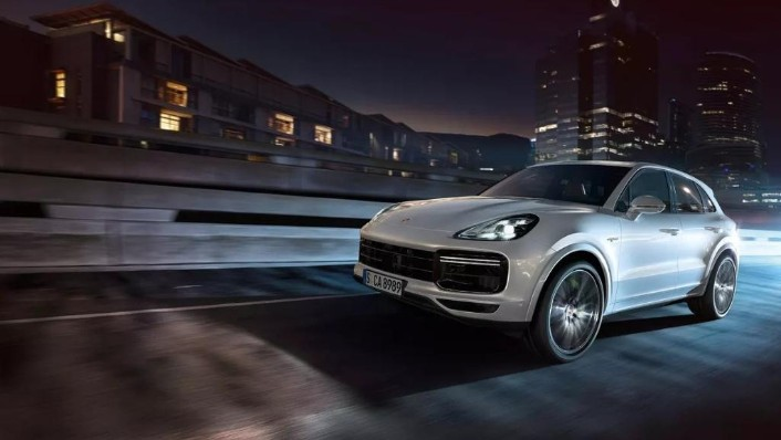 Porsche Cayenne (2019) Exterior 002