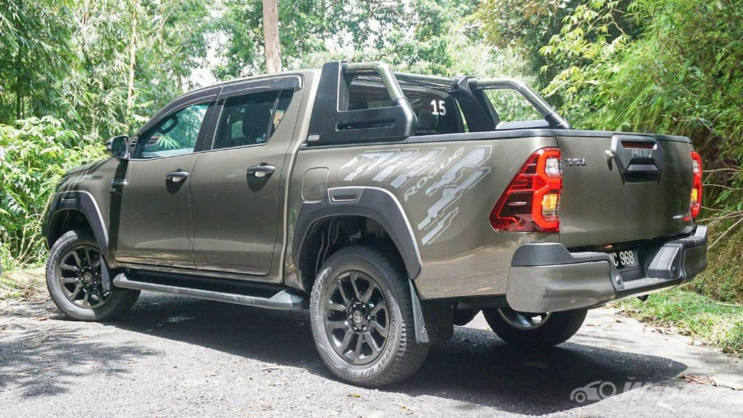 2020 Toyota Hilux Double Cab 2.8 Rogue AT 4X4 Exterior 066