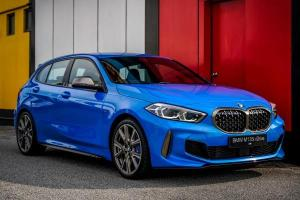 2020 Mercedes-AMG A35 vs 2020 (F40) BMW M135i – Which hot hatch is spicier?