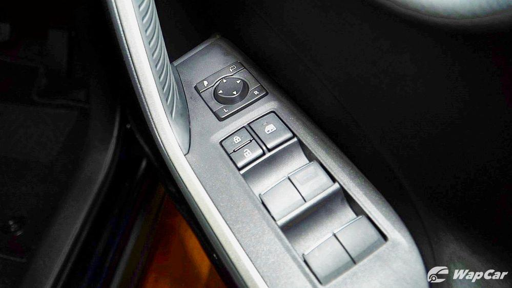 2020 Toyota RAV4 2.5L Interior 086