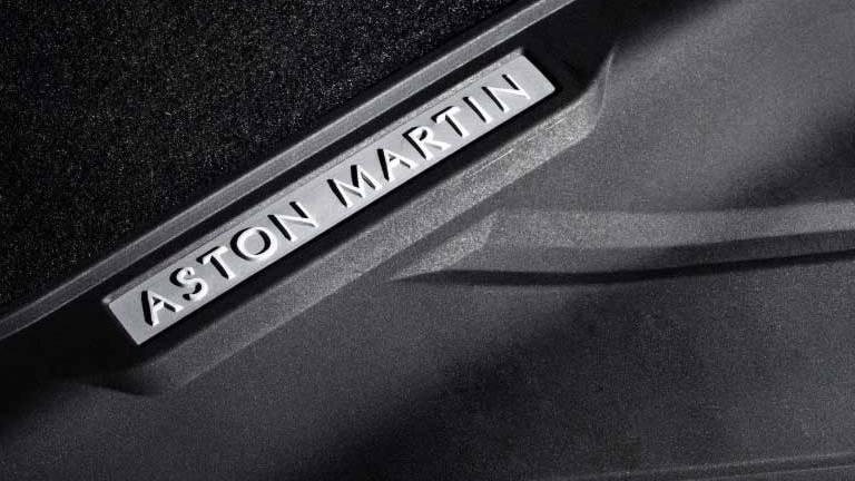 Aston Martin DBS Superleggera (2019) Interior 004