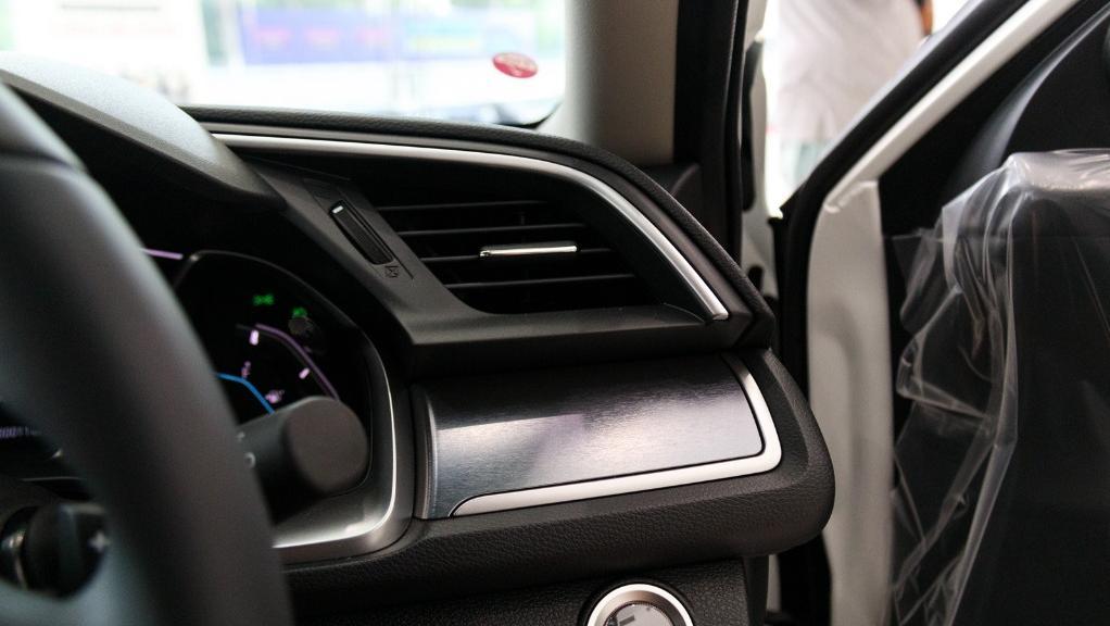 2018 Honda Civic 1.5TC Premium Interior 037