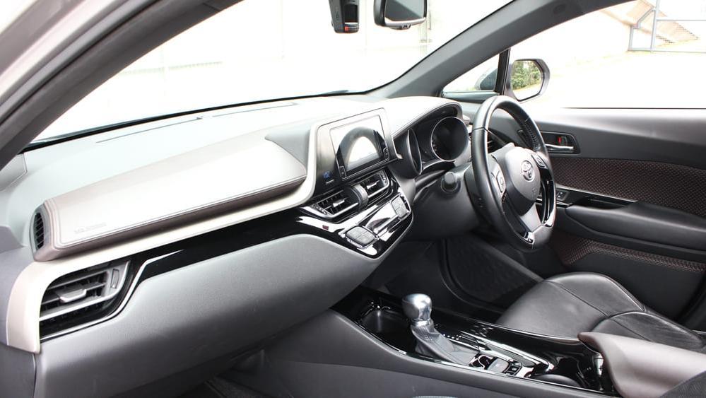2019 Toyota C-HR 1.8 Interior 004