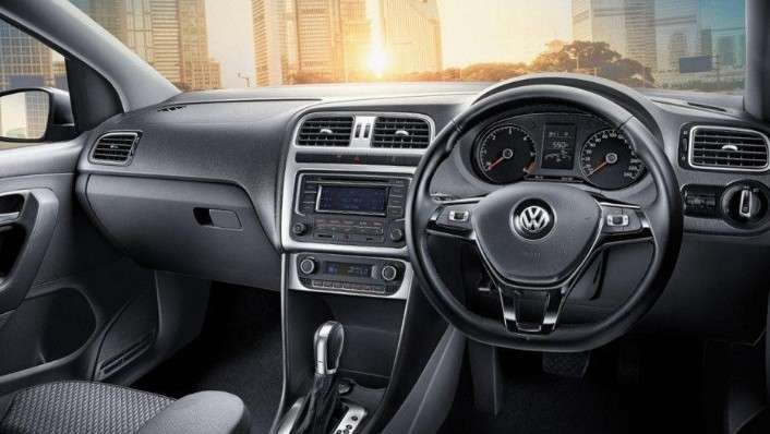 Volkswagen Polo (2018) Interior 001