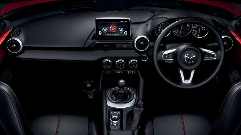 Mazda MX-5 (2018) Interior 004