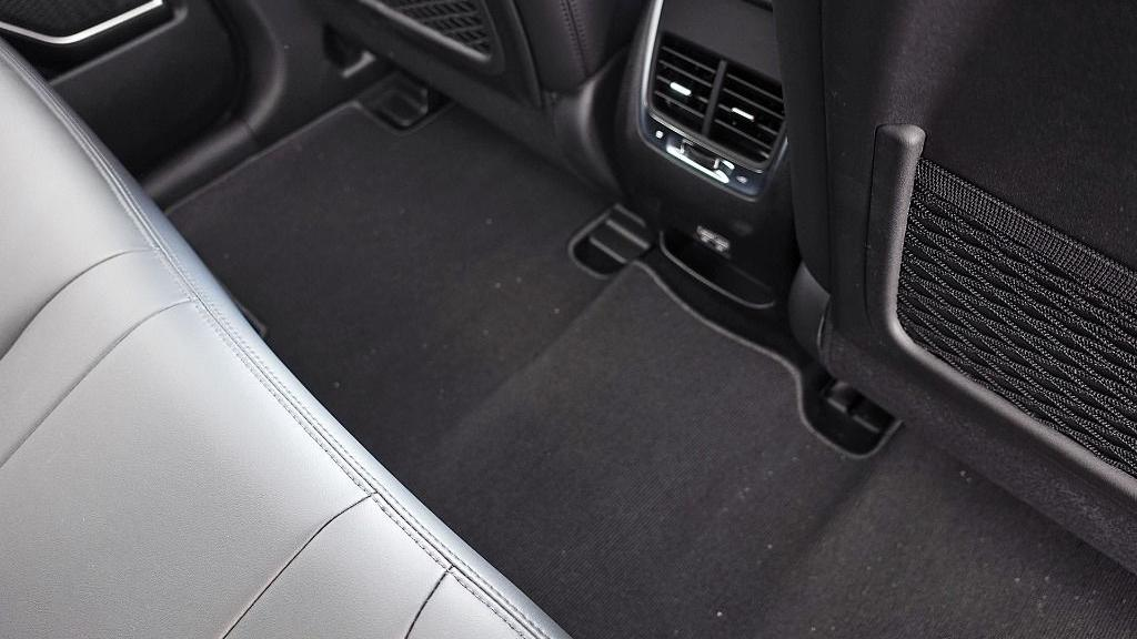 2018 Proton X70 1.8 TGDI Executive AWD Interior 055