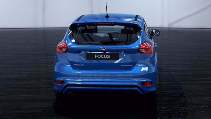 Ford Focus Sedan (2017) Exterior 005