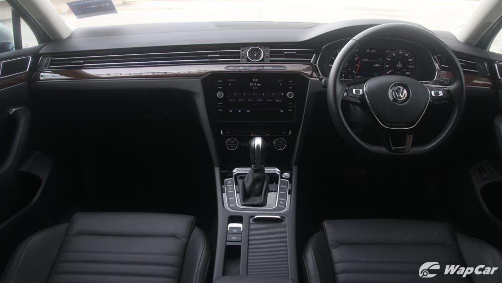 2018 Volkswagen Passat 2.0 TSI Highline Interior 001