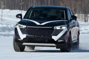 2021 Honda HR-V shows the Subaru XV it can handle the snow