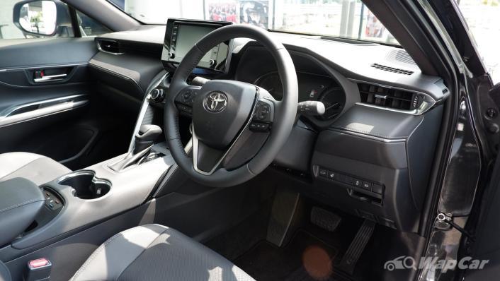 2021 Toyota Harrier 2.0 Luxury Interior 002