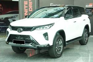 Closer Look: 2021 Toyota Fortuner 2.8 VRZ - worth the RM 31k bump from 2.7 SRZ?