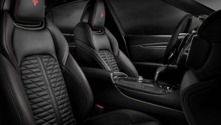 Maserati Levante (2019) Interior 007