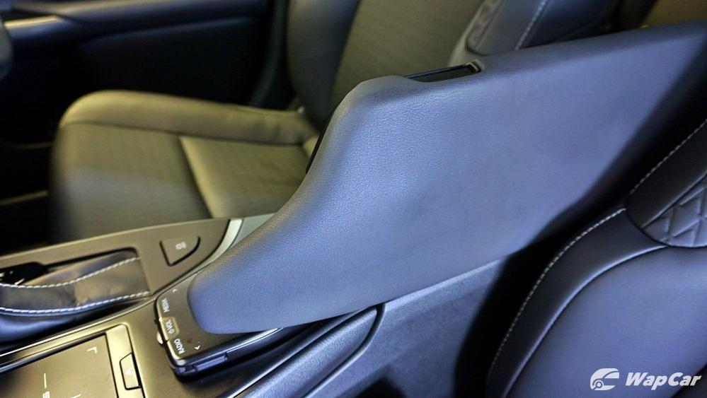 2020 Lexus UX 200 Urban Interior 054