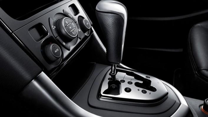 Peugeot 408 (2019) Interior 004