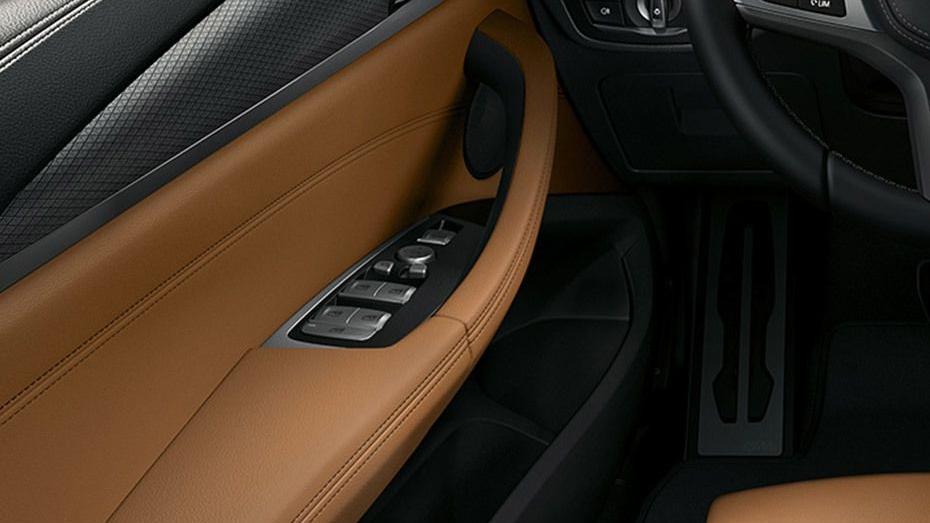 BMW X3 (2019) Interior 008