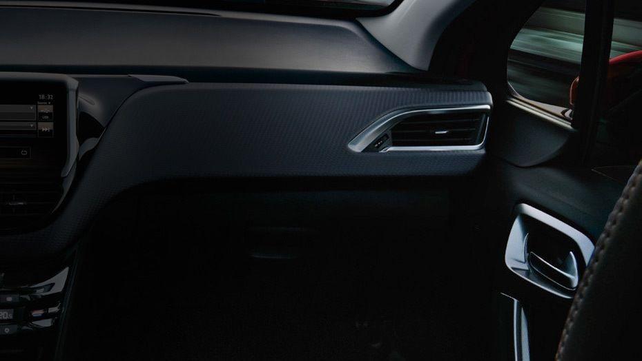 Peugeot 2008 (2018) Interior 003