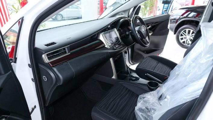 2018 Toyota Innova 2.0G (A) Interior 003