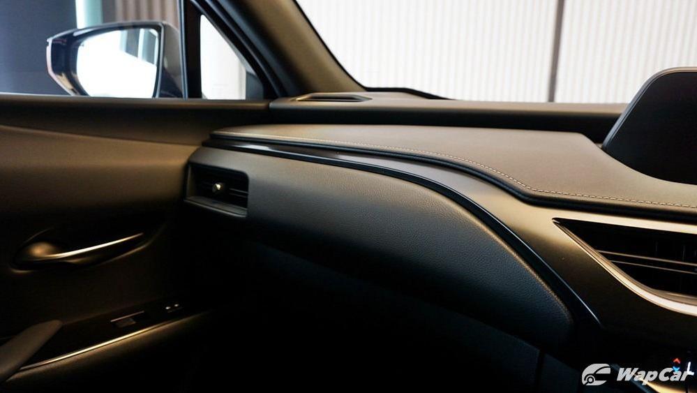 2020 Lexus UX 200 Urban Interior 004