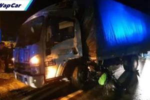 Penunggang Kawasaki Ninja maut dilanggar lori muatan tembikai yang hilang kawalan