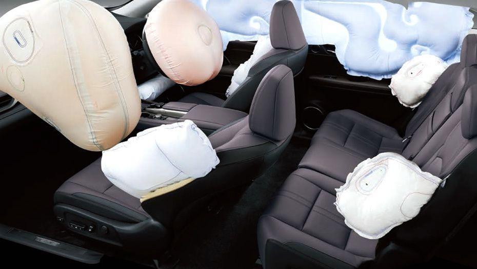 Lexus RX (2018) Interior 005