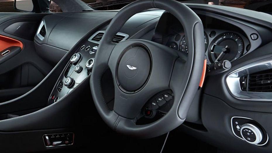 Aston Martin Vanquish (2018) Interior 002