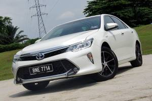 5-year old used Toyota Camry Hybrid for the price of a Vios – common problems and repair cost
