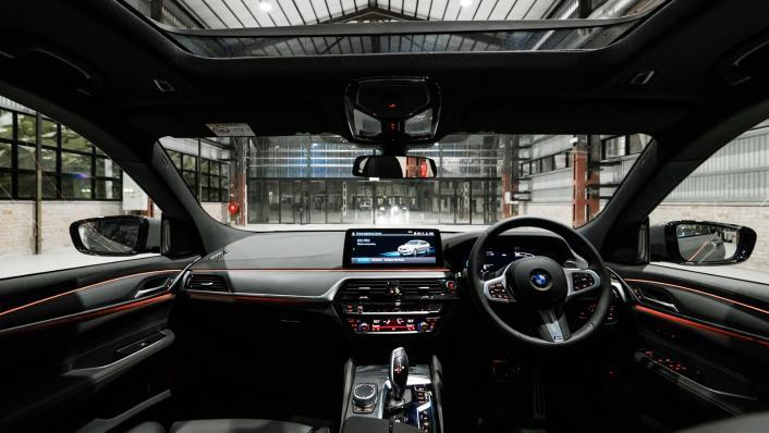 2021 BMW 6 Series GT 630i M Sport Interior 001