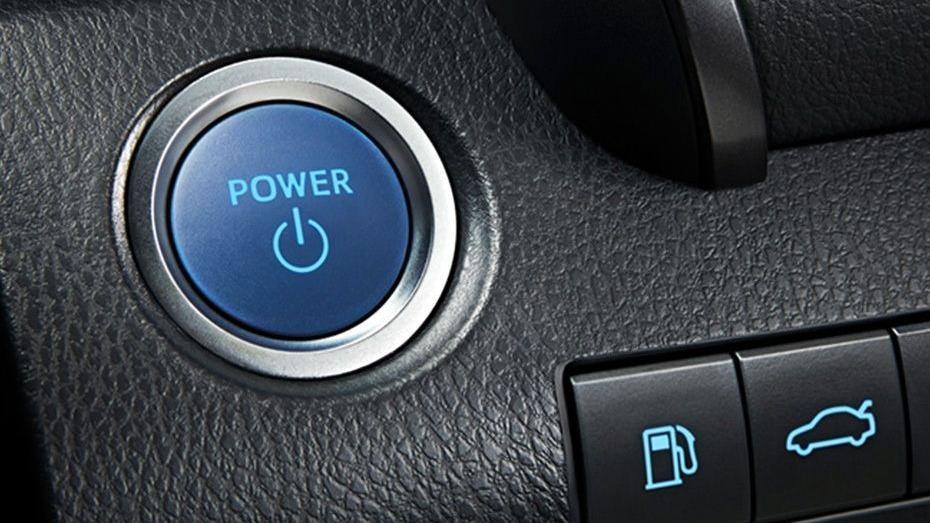Toyota Camry (2019) Interior 003