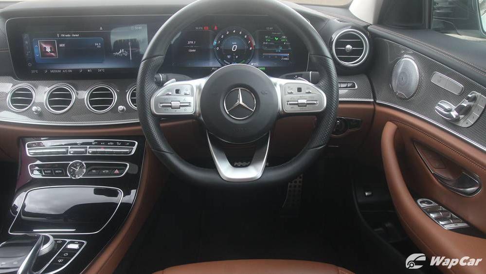 2019 Mercedes-Benz E-Class E 350 AMG Line Interior 004