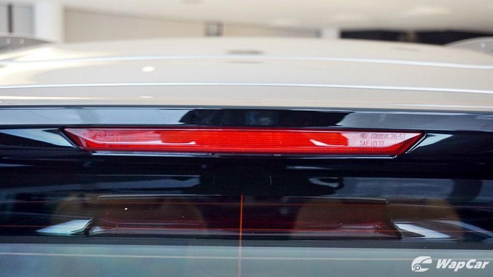 2020 Lexus UX 200 Luxury Exterior 027