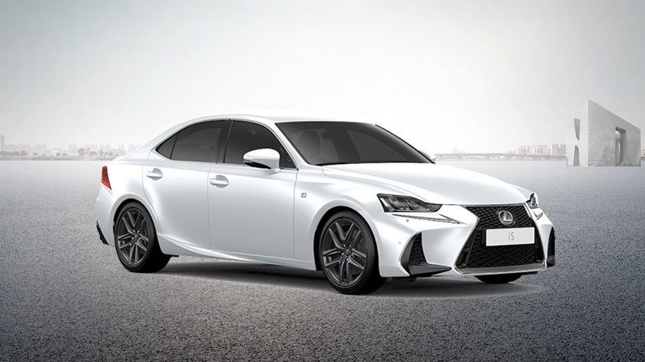 Lexus IS (2018) Exterior 003